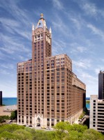 680 N. Lake Shore Drive in Chicago includes 493,064 square feet of medical office, office and retail space, plus a 331-space parking garage. (Photo courtesy of TopMed Realty)